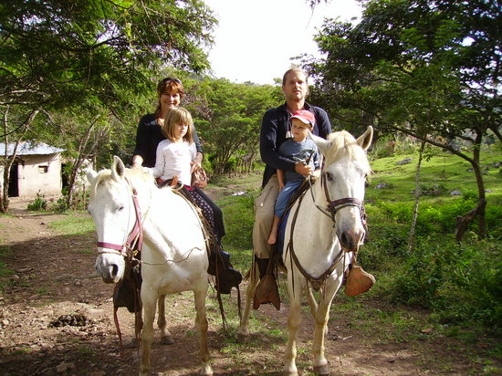 Finca Lindos Ojos: horse back riding