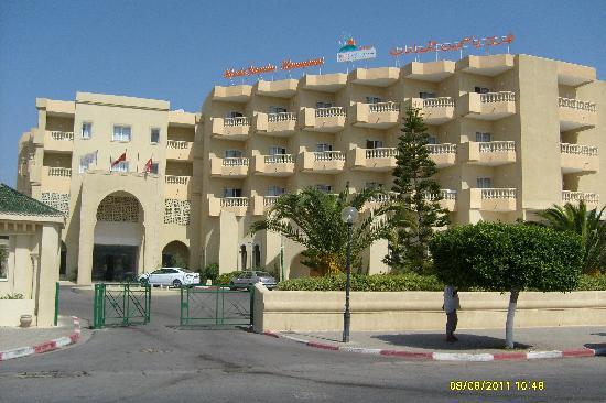 Houda Yasmine Hammamet : Entrée de l'hotel