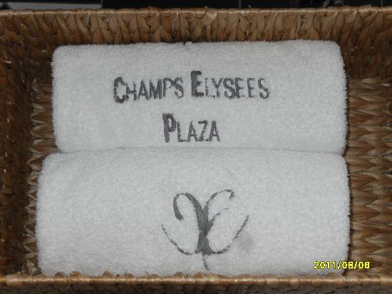 ‪‪Champs Elysees Plaza Hotel‬: Towels in Bathroom‬
