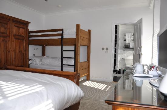 Rooms36: Room 5 sleeping 4