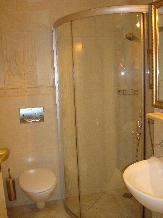 Tradition Hotel: baño