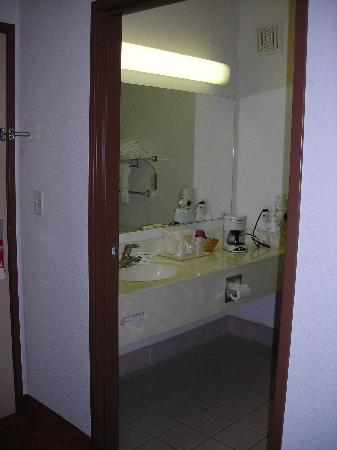 Best Western Tolleson Hotel: Bathroom-View 1