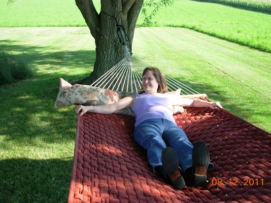 Scottish Bed & Breakfast: Trying out the hammock