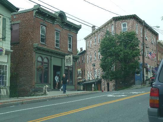 Main Street Bistro: Main St Bistro,  New Paltz, NY