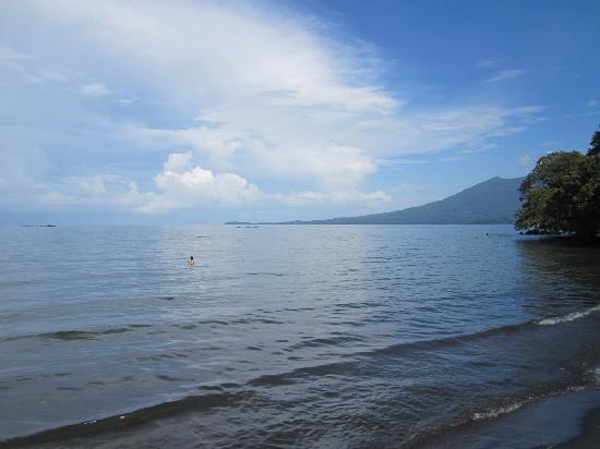 Altagracia, Nicaragua: Baño en lago Nicaragua al lado de la finca
