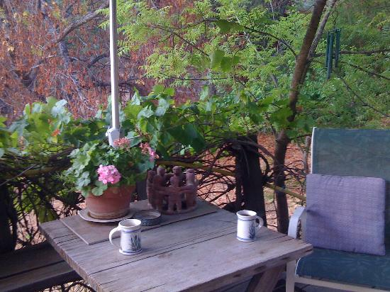 Cort Cottage: Morning Coffee on the deck