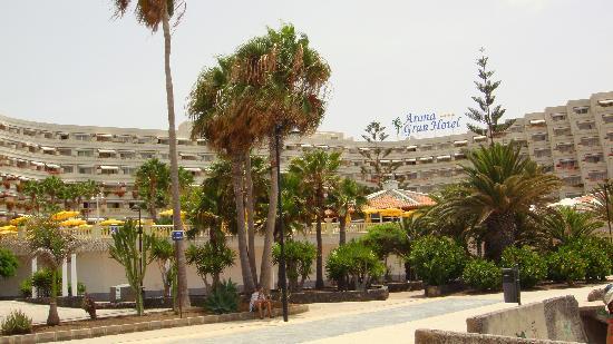 Spring Arona Gran Hotel: A LAS AFUERAS DEL HOTEL