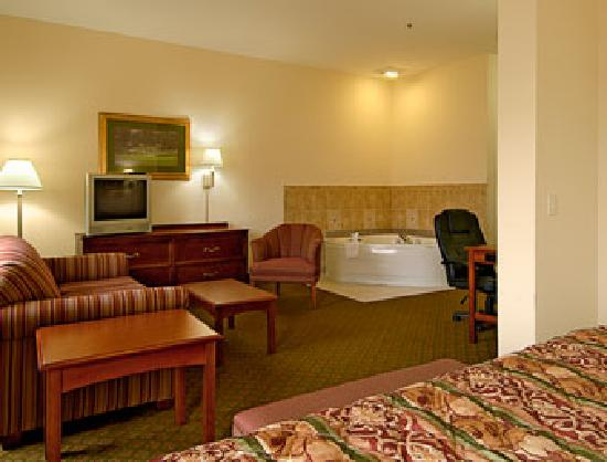 Jacuzzi Suite Picture Of Baymont Inn Amp Suites Augusta