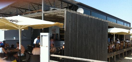 Cha Com Agua Salgada: Vista del restaurante
