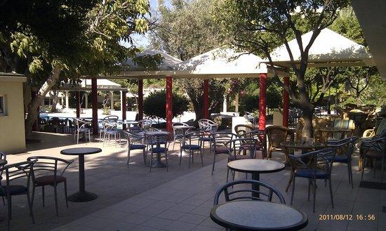 Filerimos Village Hotel: Outside bar area