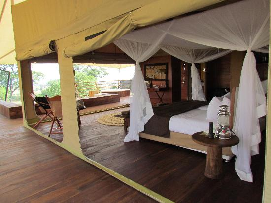 Serengeti Bushtops Camp: sleeping area
