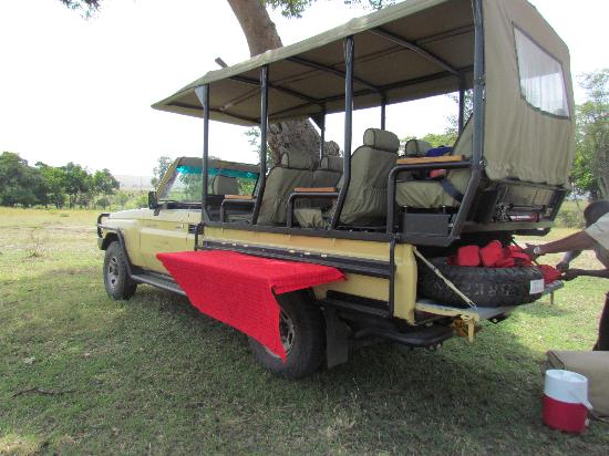 Serengeti Bushtops Camp: modified vehicle for optimal animal viewing