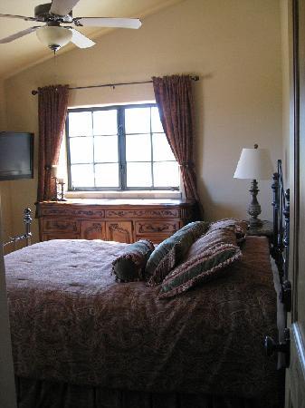 Villa Nel Mondo Bed & Breakfast: Venetia bedroom1