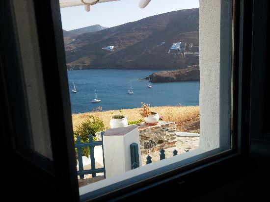Kalderimi: La mattina, appena aperta la finestra....