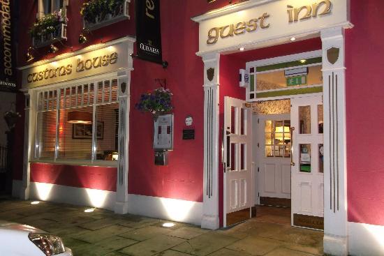 Customs House Country Inn : CUSTOMS INN - FRONT FACADE