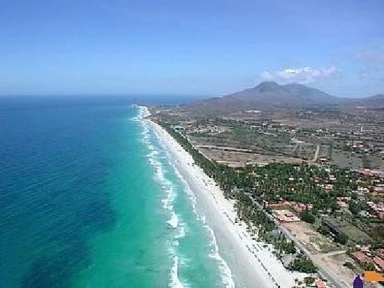 Hotel Coco Paraiso: playa el agua