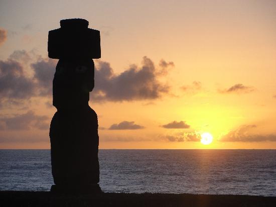 Cabanas Manatea: Ahu Tahai, maravillosas puesta de sol