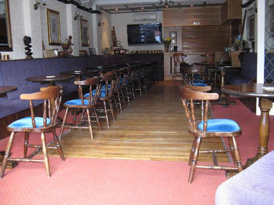 The Queens Hotel: The bar and entertainment room