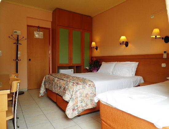 Hotel Segas: Triple Room