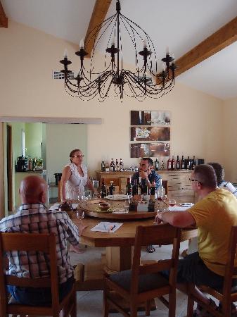 Relais de l'Alsou : Attention et concentration pour succulente dégustation de vins du Minervois