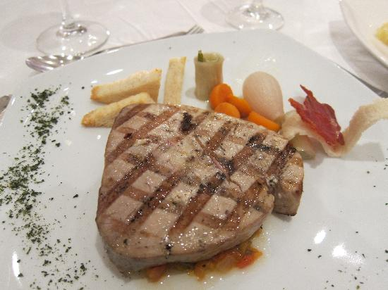 Iberostar Grand Hotel Bavaro: Surf and Turf, Tuna