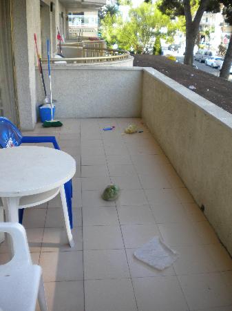 Salou Suite : Terraza al llegar al apartamento