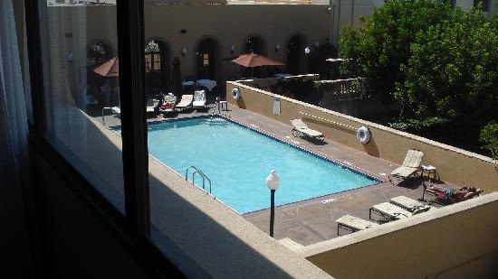 Sheraton Pasadena: The pool