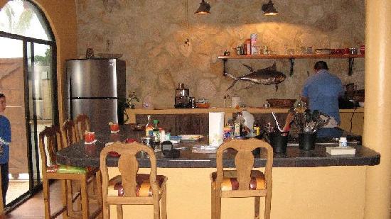 Palapas Resort: Juan's Pesco kitchen