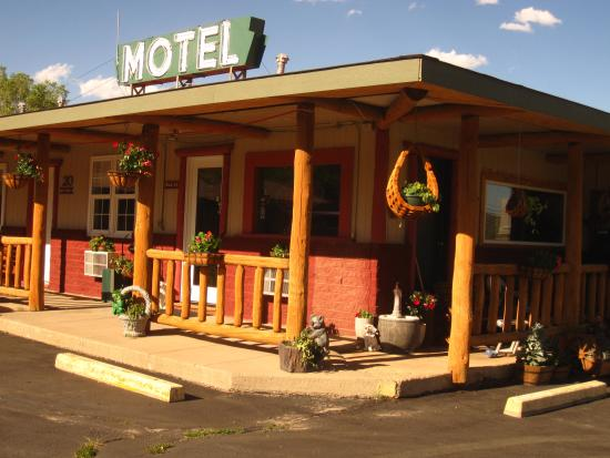 Rocky mountain lodge updated 2017 motel reviews price for Rocky mountain lodges