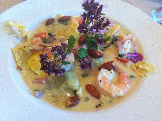 Gordon's on Blueberry Hill: Prawns with homemade ravioli and almonds!
