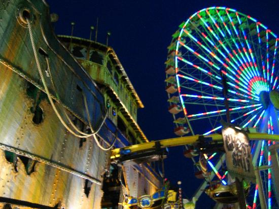 Wildwood Boardwalk: Ghost Ship and Giant Wheel