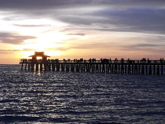 Naples Pier: Sunset