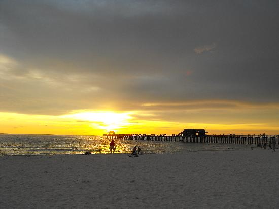 Naples Pier: Sunset  & Pier
