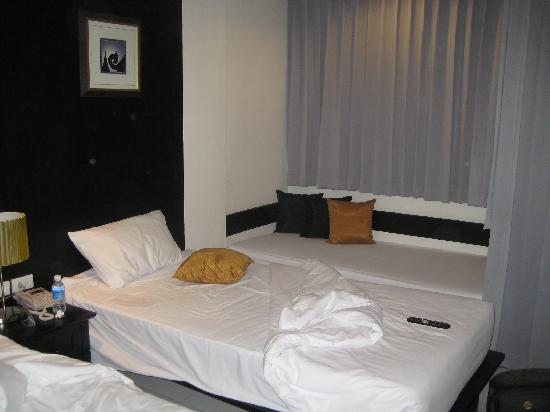 Patong Paradee Resort: bed
