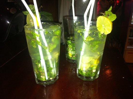 Dive Bar & Restaurant: Mojito's in The Dive Bar!
