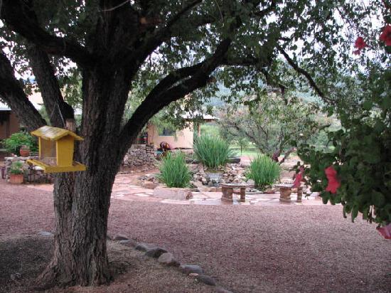 Sunglow Ranch - Arizona Guest Ranch and Resort: View from Sunglow Cafe porch