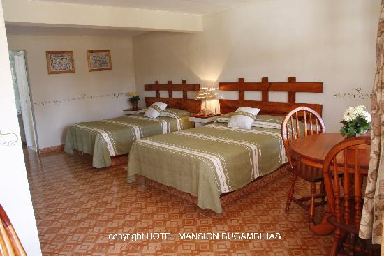Hotel Mansion Bugambilias: Double bedroom