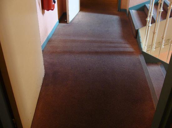 The Jay Hotel by HappyCulture: alfombras que fueron naranjas
