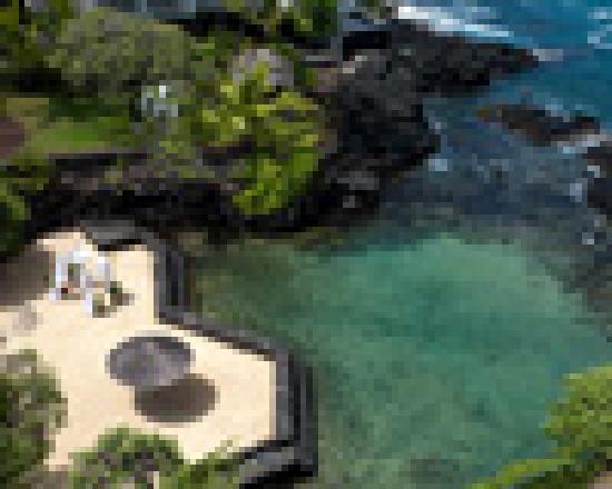 Royal Kona Resort: private Snorkel Lagoon