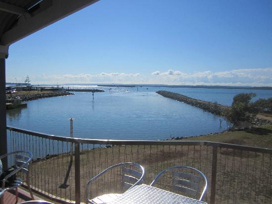Pelican's Cafe: Spectacular views across Moreton Bay and the islands including Redland Bay Harbour