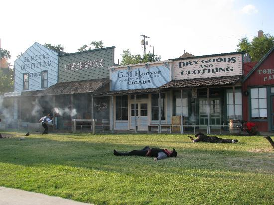 Dodge City, KS: the gunfight - realistic and a pleasure to watch