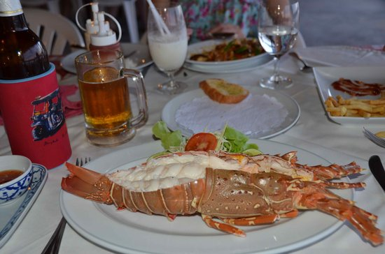 Tony Seafood Restaurant: Fresh steamed lobster