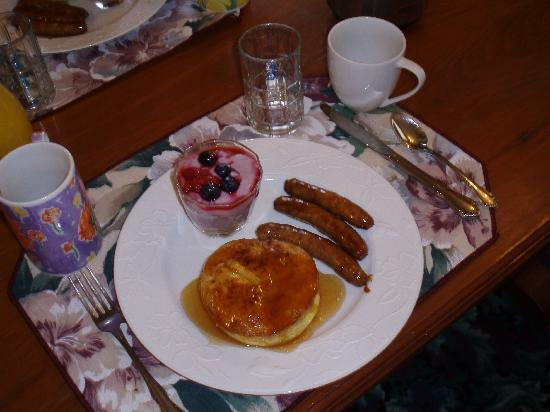 Churchyard Inn: Breakfast for two, delish~!