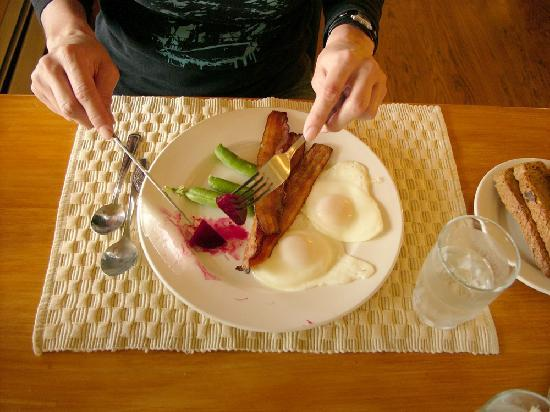 Kiwi Cove Lodge: Our breakfast