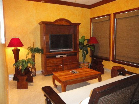 Grand Colony Island Villas: Grand Colony living room
