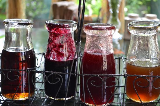 Eat-A-Pita & Cafe 2: Homemade Syrups!  Pure Maple, Blueberry, Raspberry, Infused Orange