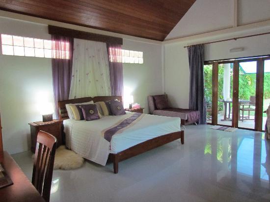 Kingsacre: villa 1