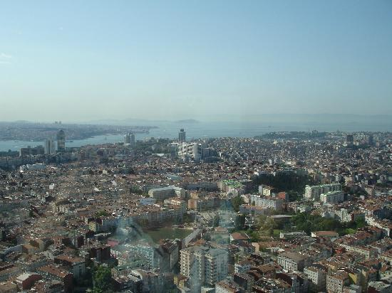 Fraser Place Anthill Istanbul: view from the room in 40th floor of hotel