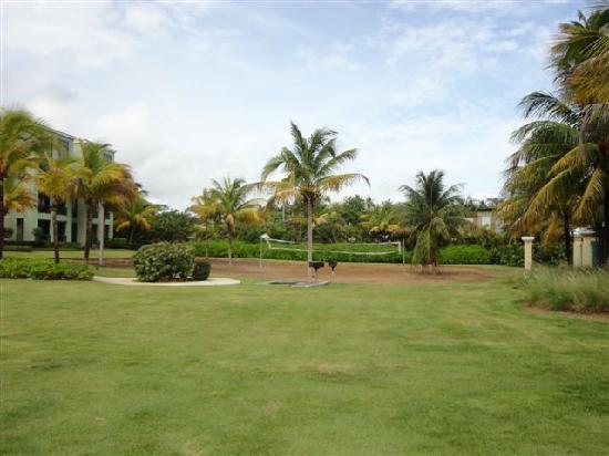 Aquatika Beach Resort: Grills and Volley Ball Area