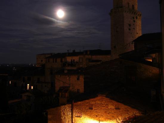 Fabio Apartments San Gimignano: Vistas desde la ventana del apartamento